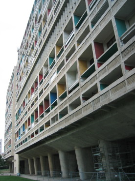exterior of le corbusier building