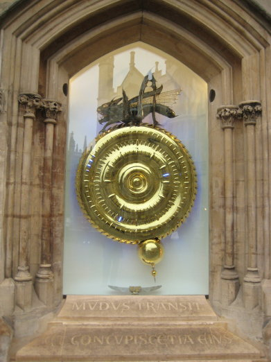 chronophage_corpus_clock