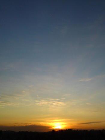 http://asymptotia.com/wp-images/2009/10/sunrise_scattering_1.jpg