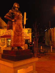 mariachi_plaza_2