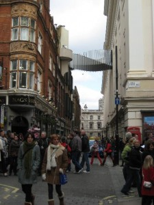 twisted_bridge_covent_garden_1