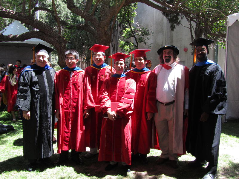 faculty_and_students_at_graduation_phd_2010