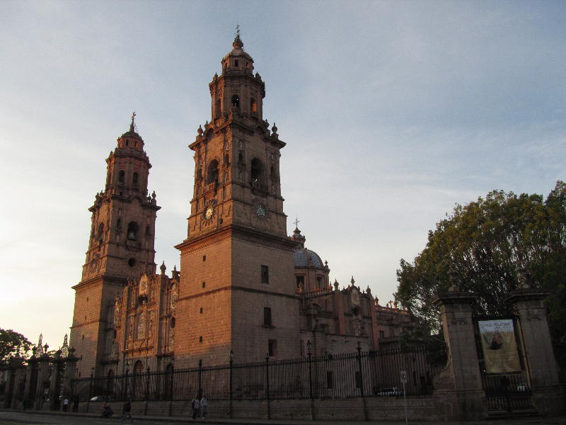 morelia_cathedral_day