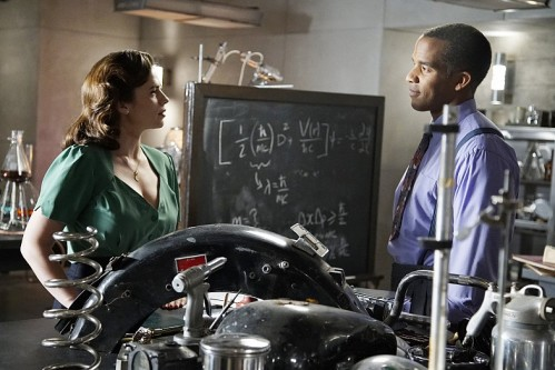 Hayley-Atwell-and-Reggie-Austin-in-Agent-Carter-S2